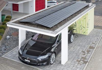 Carport mit Photovoltaikanlage und Elektro-Zapfsäule