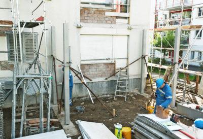 Stützenmontage für erste Balkonplatte