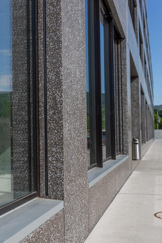 Fassadenelement Gewerbe- und Wohngebäude HANG-AAR, Aarau